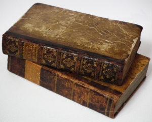 1000_old_books
